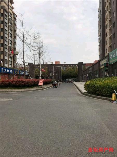 万士新村11楼复式150平4室2厅2卫豪装车库12平158万