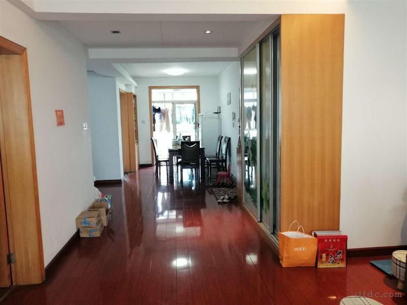 金谷华城电梯6楼三室双卫精装130平99.8万房东诚售价格可谈