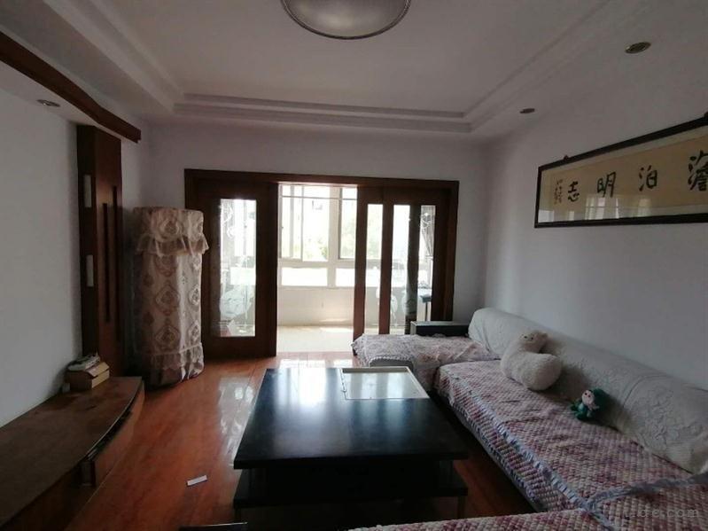 吾悦广场旁(景潭花园)三楼三室两厅二卫3000元