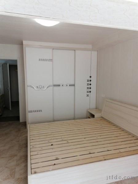 丹阳门建材市场公寓。精装1/1/1朝南好房1200元/月