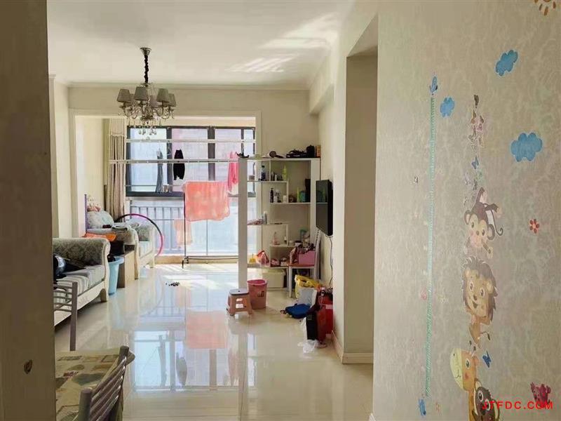 名仕家园电梯6楼73平,2室2厅,婚房装修,家电家具全留,开价79.8万,小小刀