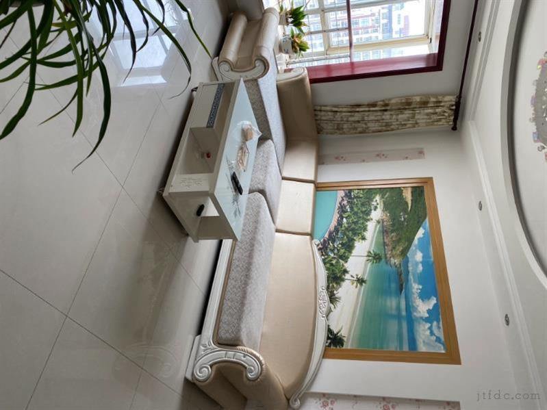 风凰城小区精装2房/2厅/1卫朝南好房2200元/月