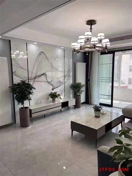 景谭花园3楼,145平,车库12平,3室2厅2卫,中央空调,地暖,品牌家电家具,