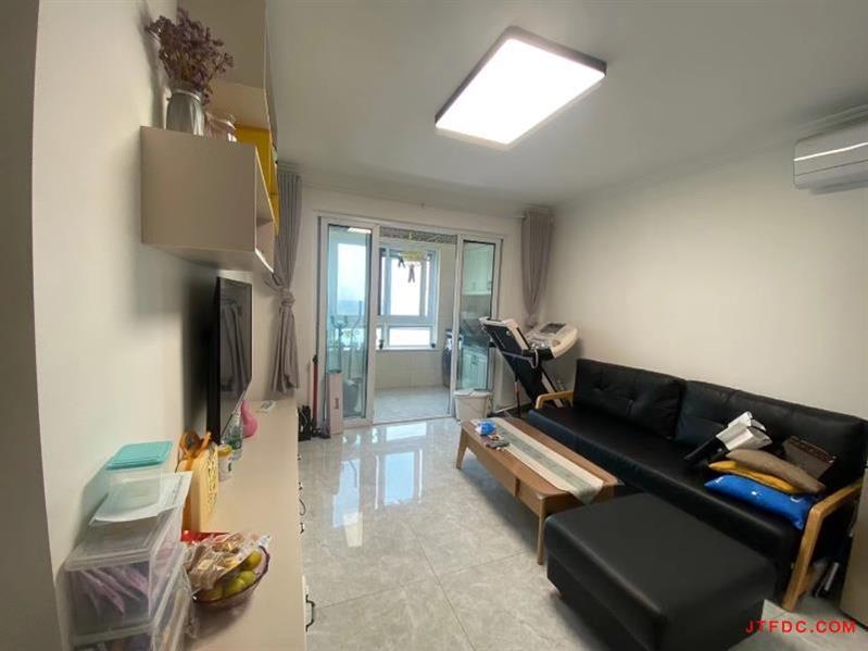 恒联国际21楼景观房,82平方,2房2厅1卫,豪华装修,满2年,开价99.8万