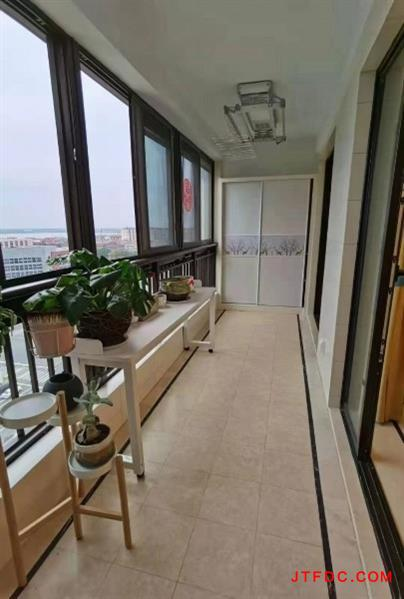 新城金郡唯一一套可以立马过户的高层!前排13楼,135平米,西边户,能领人才补贴