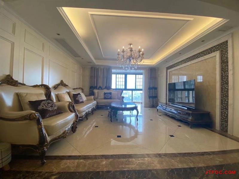 金水华都中层东上手房,202平米5室2厅3卫,有地暖、大金中央空调、256.8万