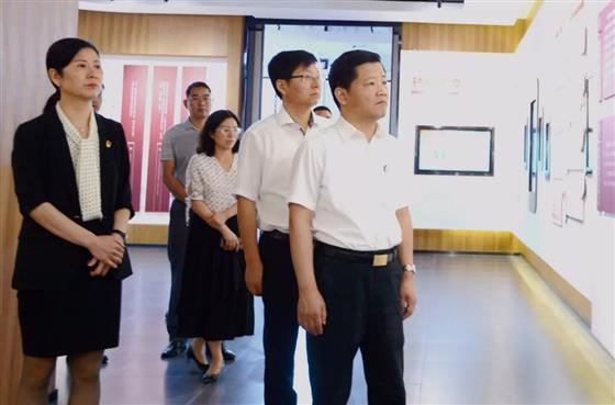 区委书记狄志强调研纪检监察工作